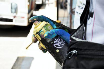 purger ou déboucher une bombe de peinture