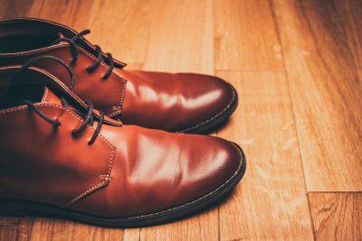 chaussure marron en cuir