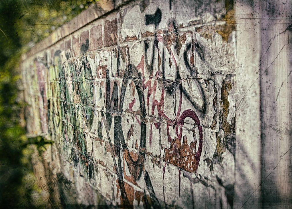 mur en graffiti