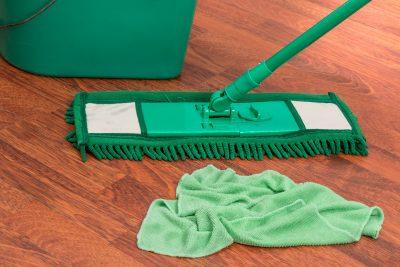nettoyer sol avec peinture