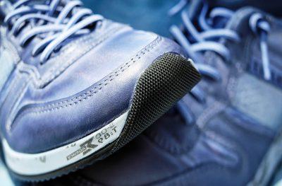 chaussure avec semelle caoutchouc