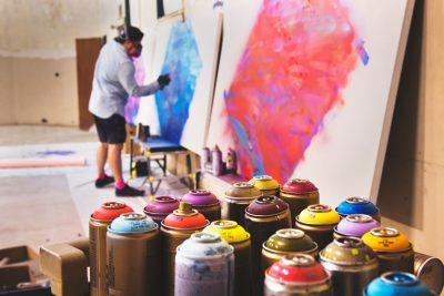 bombe de peinture pour les décorations