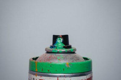 vider bombe de peinture