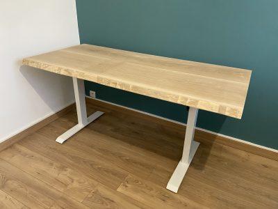 bureau avec un plateau en bois de chêne