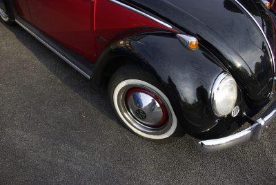 carrosserie d'une voiture de couleur noir
