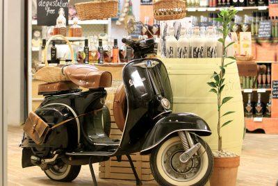 scooter vespa couleur noire